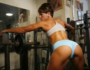 Vivian trains her bodybuilder physique and poses in the gym in this video – showing off her legs, her pretty glutes and sexy pussy. Her workout certainly doesn't leave much to the imagination. Vivian is too hot to handle!