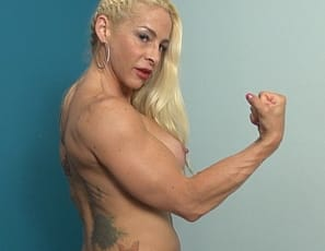 No matter what professional female bodybuilder Jill Jaxen does, she always finds a way to show off her amazing physique. It should be no surprise that she loves to show us her big biceps, her vascular forearms and powerful legs. We also get to enjoy her lovely...