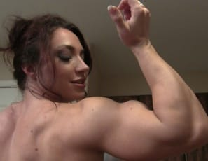 Female bodybuilder BrandiMae has a virtual session with you, teasing you by posing to show off her vascular biceps, ripped abs, muscular legs and glutes and her  muscle control of her tattooed pecs. Then she takes off her panties and gets naked to show you her...