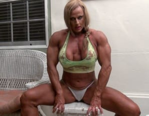 a virtual session with tattooed female bodybuilder Nuriye