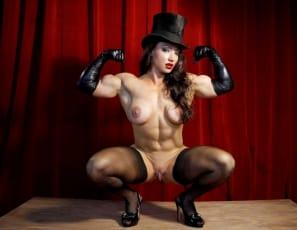Sexy female muscle pornstar Brandimae