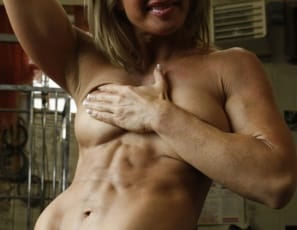 The first thing you'll notice about Tanya as she poses in the gym is how vascular and ripped she is, and how muscular her biceps, pecs, abs, legs, glutes and calves are. Clear proof that Tanya can.