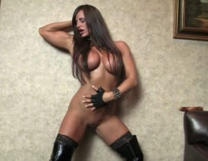 In your virtual session with Nikki Jackson in the bedroom, she poses for you in latex and high-heeled shoes, showing you her sexy pecs, big biceps, muscular Legs and a glimpse of her pretty kitty. I'm bigger and better than ever, she says. And you?