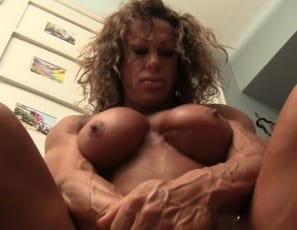 Female bodybuilder MuscleFoxx is in the bedroom