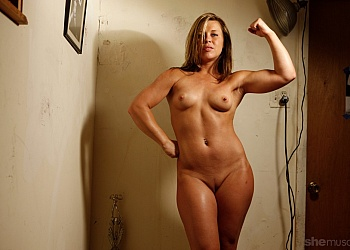 She muscle nude pics